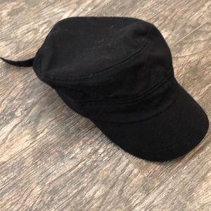 Girls black hat